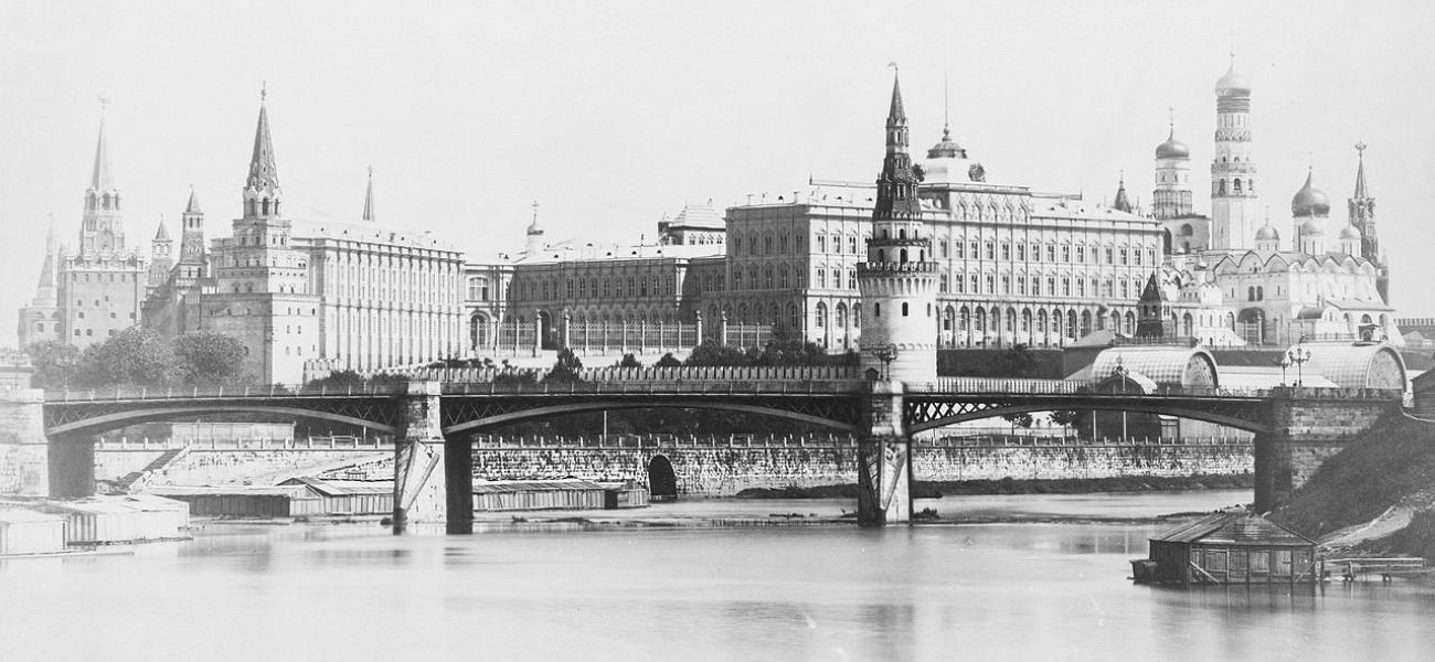 Grand Stone Bridge in Moscow
